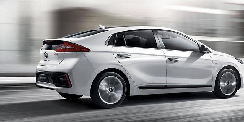 Hyundai and Grab reveal details on eco ridesharing partnership