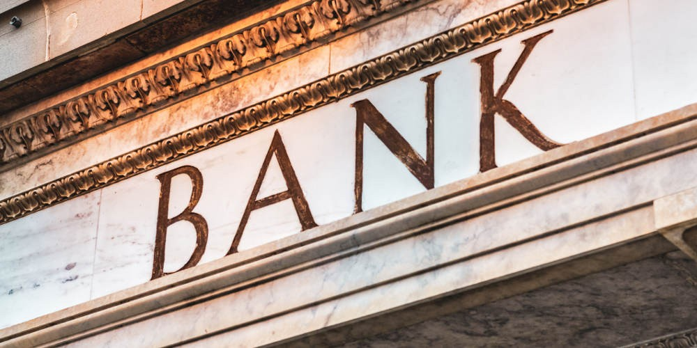Four ways banks can take on disrupters with locally optimised digital strategies